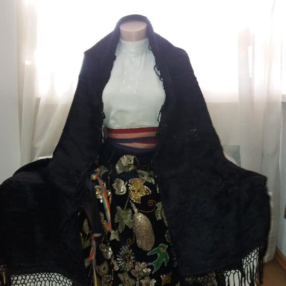 Costumul popular femeiesc