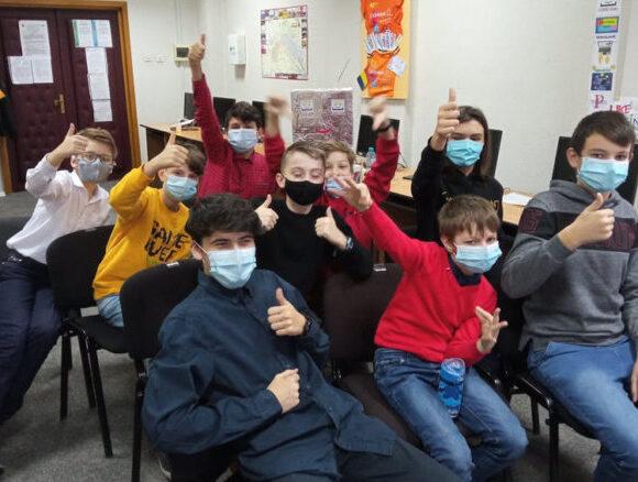 Echipa Kids4Coding a Bibliotecii din Onești pe locul 1 la CODE KIDS FEST 2020