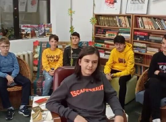 Echipă de copii de gimnaziu, pasionați de tehnologie, din Onești, locul întâi la CODE KIDS FEST 2020
