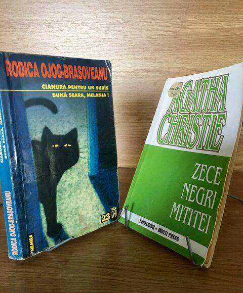 """Duelul cărților: """"Cianură pentru un surâs"""" vs. """"Zece negri mititei"""""""