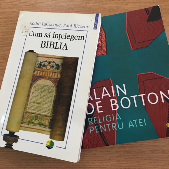 """Duelul cărților: """"Religia pentru atei"""" vs. Cum să înțelegem Biblia"""""""