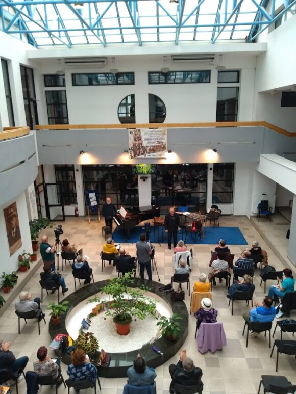 """Împletire artistică deosebită dintre """"Dansuri, sporturi şi distracţii"""". Concert al soliștilor Filarmonicii Banatul din Timișoara"""